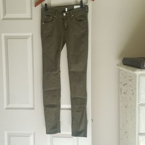 Rag & Bone 26 Army Green Skinny Jeans Excellent!